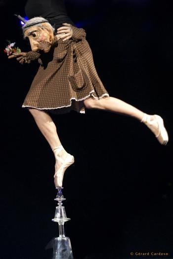 La Danseuse sur Verres © photo : Gérard Cardoso
